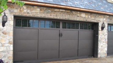 What To Consider When Hiring A Garage Door Repair Company