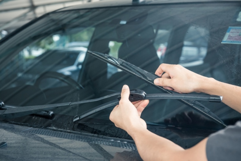 How To Ensure That Your Windshield Works Properly