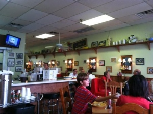 Maggie Mae's Sunrise Cafe – Waterfront